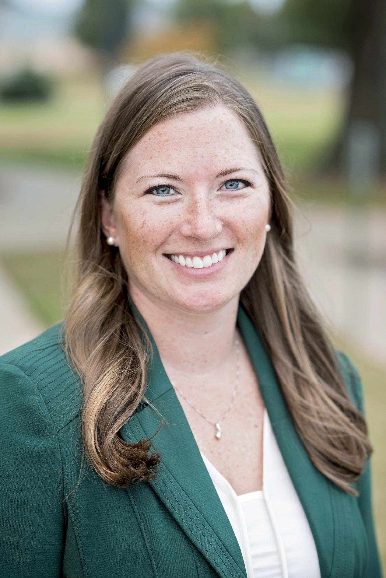 Dr Sarah Petschonek
